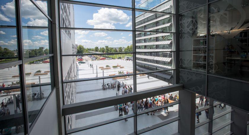 Lokalny biznes, Prawie wystawców wystawi jutro Targach Pracy Białymstoku - zdjęcie, fotografia