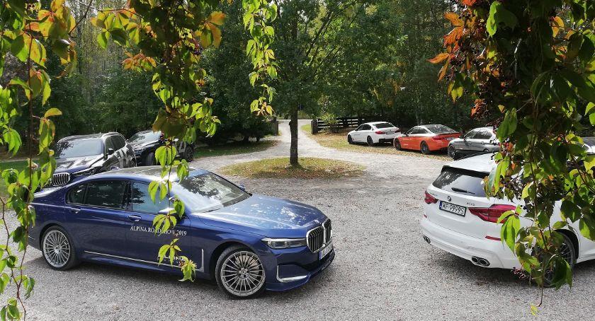 Motoryzacja, Szybkie eleganckie komfortowe grube pieniądze Alpina podlaskich drogach - zdjęcie, fotografia