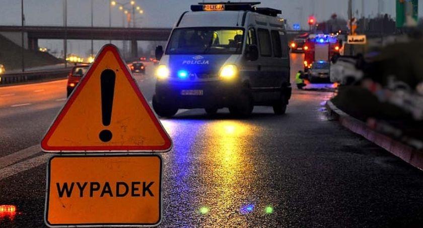 KOLIZJA 24, Łyskami zderzyło kilka pojazdów jezdnię wyciekł - zdjęcie, fotografia