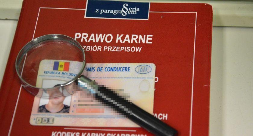 Wiadomości, Jechał przez Podlasie podrobionym prawem jazdy - zdjęcie, fotografia