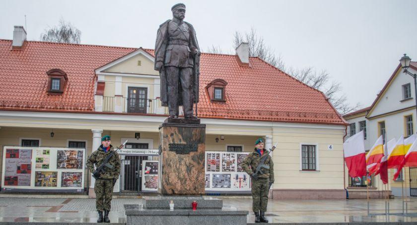 Wiadomości, Zaśpiewajmy Mazurka Dąbrowskiego Rynku Kościuszki - zdjęcie, fotografia