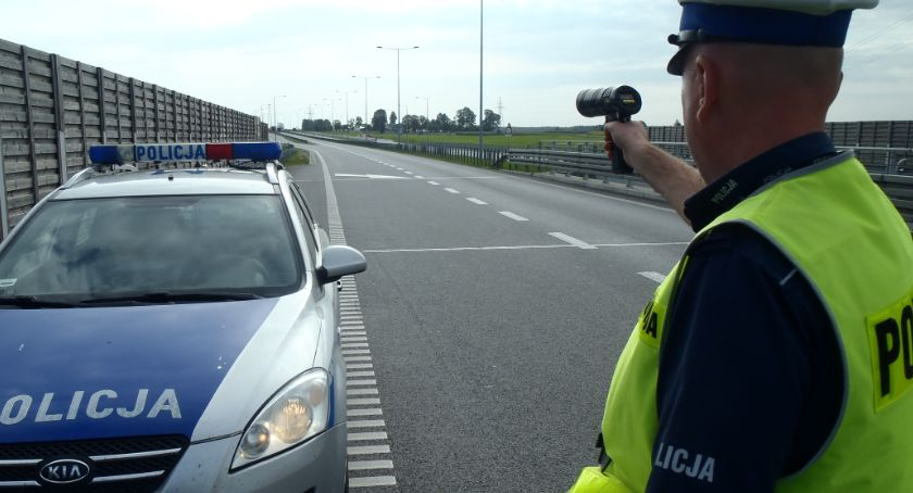 Motoryzacja, dziś obowiązują przepisy dotyczące kontroli drogowej - zdjęcie, fotografia