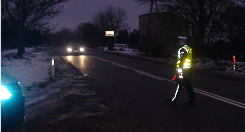 Motoryzacja, Dobre światła aucie odblaski ratują życie Naprawdę! - zdjęcie, fotografia