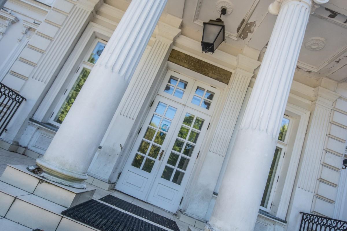 Wiadomości, sprzedaży pałacu Lubomirskich trzeba przyjrzeć uważniej - zdjęcie, fotografia