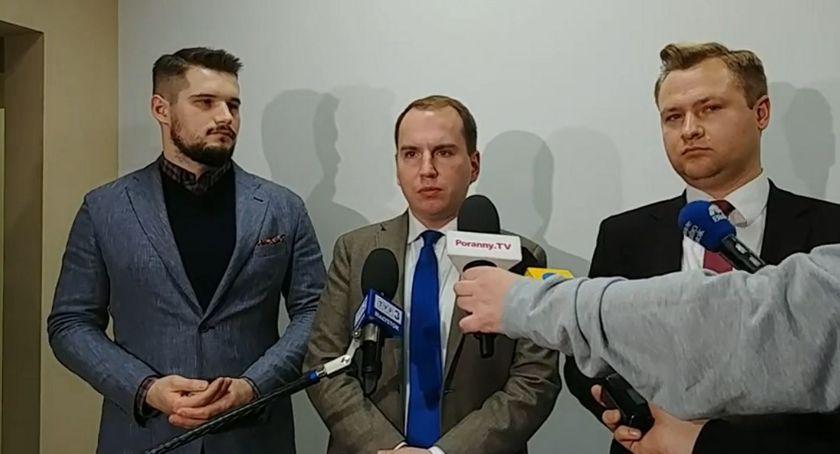 Wiadomości, Polacy bogacą rządami płacić bilet - zdjęcie, fotografia