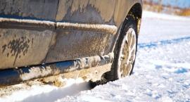 Zimą kierowcy jeżdżą ostrożniej