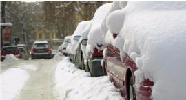 Mandat za parkowanie na zaśnieżonym parkingu