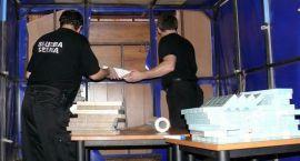 Skrytka z kontrabandą wartą 340 tys. złotych