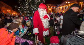 Mikołaj z Laponii podpalił choinkę miejską