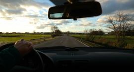 Na Zachodzie rosną kary za rozmowy przez telefon podczas jazdy. W Polsce bez zmian