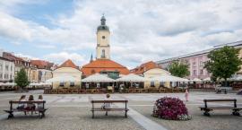 O co chodzi z przyjmowaniem uchodźców do Białegostoku? Prezydent swoje, narodowcy swoje