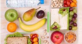 Jedz owoce i warzywa, żeby nie odwodnić organizmu
