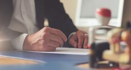 Zadłużony przedsiębiorca może skonsultować się z doradcą i dogadać w sprawie rat