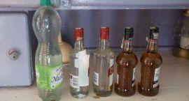 Nielegalny alkohol w mieszkaniu 68-latka
