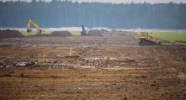 Pierwsze 100 tys. wzięte i pas startowy na Krywlanach się buduje