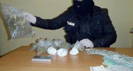 Handlowali narkotykami, teraz posiedzą