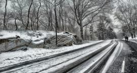 Bądź przygotowany na opady śniegu, mróz i śliskie drogi