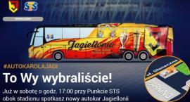 Autobus żółto-czerwony po ulicach będzie mknął