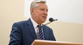 Senator zawieszony w prawach członka partii i klubu