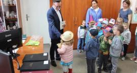 Przedszkolaki z Wasilkowa poznawały pracę burmistrza