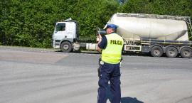 Policjanci kontrolowali ciężarówki na S-8
