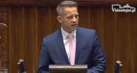 Poseł Cimoszewicz niezadowolony z faktu, że trafił na procesję