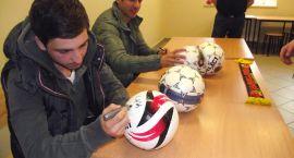 Piłkarze Jagiellonii w Ośrodku dla Cudzoziemców
