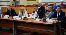 Sejmikowa koalicja jak sołtys Wąchocka. Zarząd województwa bez absolutorium