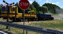 Samochód w starciu z rozpędzonym pociągiem jest bez szans