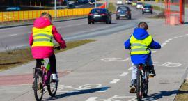 Kiedy ulice są zatłoczone samochodami lepiej zrezygnować z jazdy… rowerem