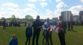 Flagi dziś powiewały również na boisku