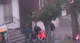 Policjanci reanimowali mężczyznę, który przewrócił się na chodniku [VIDEO]