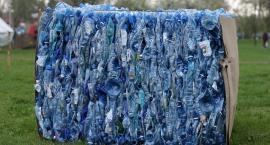 Plastikowych opakowań musi być mniej