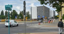 Lada moment ruszy przebudowa Jurowieckiej. Kolejne drzewa idą pod topór