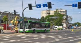 Policjanci poszukują świadków wypadku z udziałem autobusu