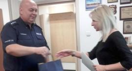 Czujna pracownica banku otrzymała podziękowania policji