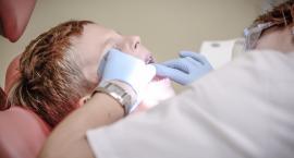 Pierwsza wizyta u dentysty- jak oswoić dziecko z gabinetem stomatologicznym.