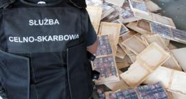 Niewinne półki na książki skrywały papierosową kontrabandę