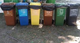 Kolorowe kontenery na białostockich śmietnikach. O co tu chodzi?