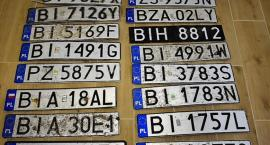 Po ostatniej powodzi Straż Miejska zbiera i oddaje zgubione tablice rejestracyjne