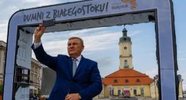 Gwiezdne Wrota z hasłem kampanii Truskolaskiego