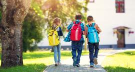 W szkołach wciąż jest dużo wypadków. Czy lepiej dodatkowo ubezpieczyć dziecko?