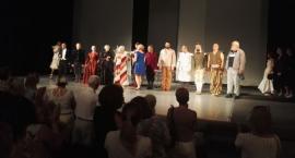 Występ aktorów Dramatycznego w Charkowie zakończony owacją na stojąco