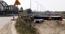Most w Uhowie nabiera kształtów