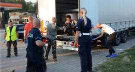 Imigrant z Afganistanu ukrył się w ciężarówce