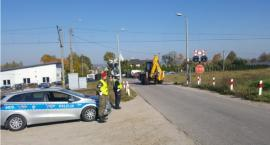 Policjanci czuwali nad bezpieczeństwem kierujących przy przejazdach kolejowych