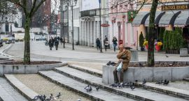 Tutaj bezdomni mogą w Białymstoku liczyć na pomoc (wykaz placówek i zasady przyjęcia)