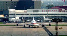 Z lotniska Krywlany polatają nieliczni