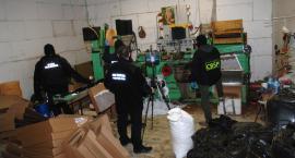 Nielegalna fabryka papierosów zakończyła działalność po wizycie mundurowych