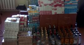 Za nielegalne papierosy i alkohol kobieta odpowie przed sądem